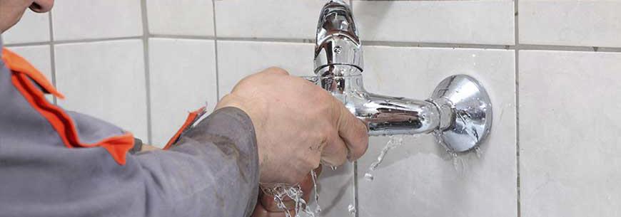 Cách xử lý vòi sen bị rỉ nước trong 4 bước