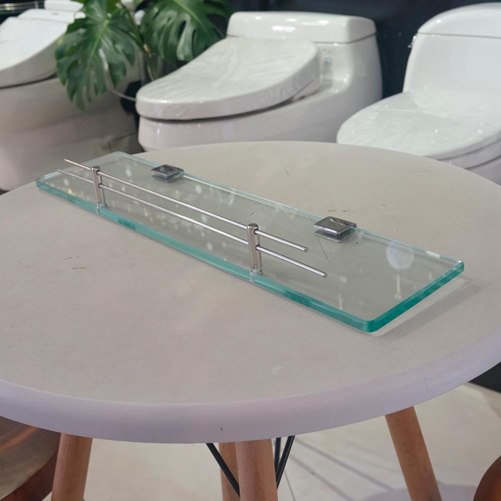 Kệ kính Outlet 02 là sản phẩm thiết bị vệ sinh outlet, xả kho, thanh lý một số mặt hàng trưng bày, giá khuyến mãi cực kỳ hấp dẫn, đến ngay showroom Hita tại Tphcm
