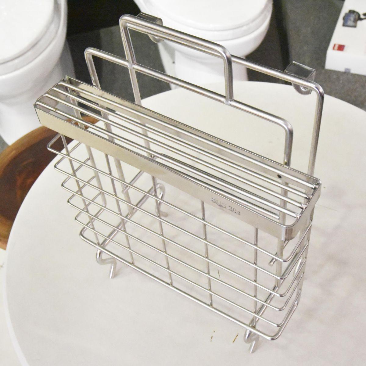 Kệ để thớt inox Outlet 01 là sản phẩm thiết bị vệ sinh outlet, xả kho, thanh lý một số mặt hàng trưng bày, giá khuyến mãi cực kỳ hấp dẫn, đến ngay showroom Hita tại Tphcm