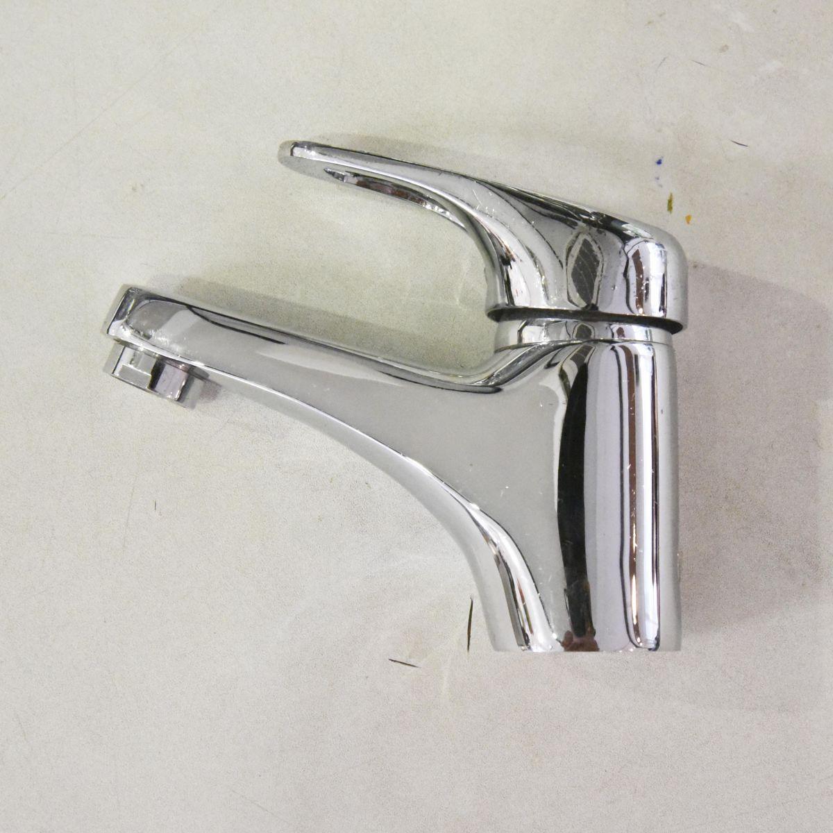 Vồi chậu lavabo Outlet 01 là sản phẩm thiết bị vệ sinh outlet, xả kho, thanh lý một số mặt hàng trưng bày, giá khuyến mãi cực kỳ hấp dẫn, đến ngay showroom Hita tại Tphcm